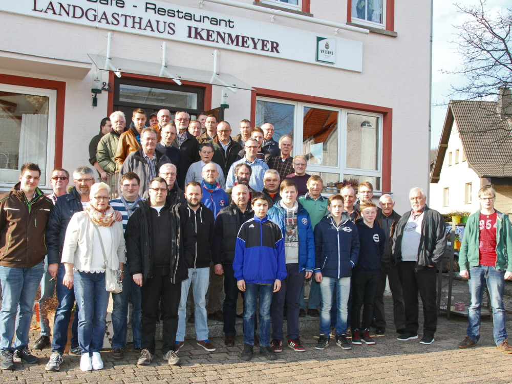 Mitglieder des ASV Neuenheerse 2016