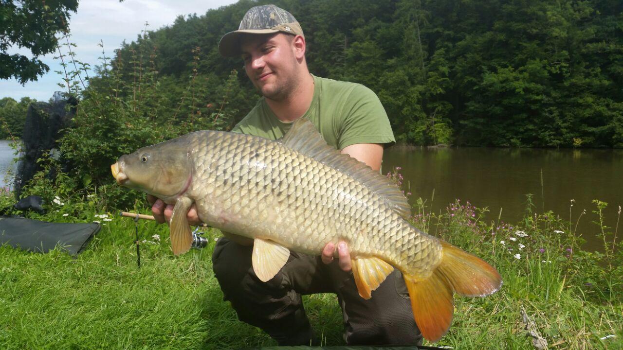 Auch die Jugendleiter fangen mal einen Fisch ;-)